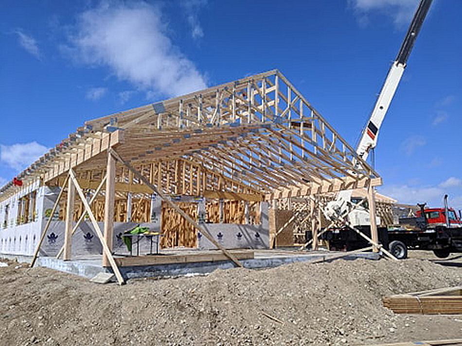 2020 4-2 Trusses Going up 002.jpg