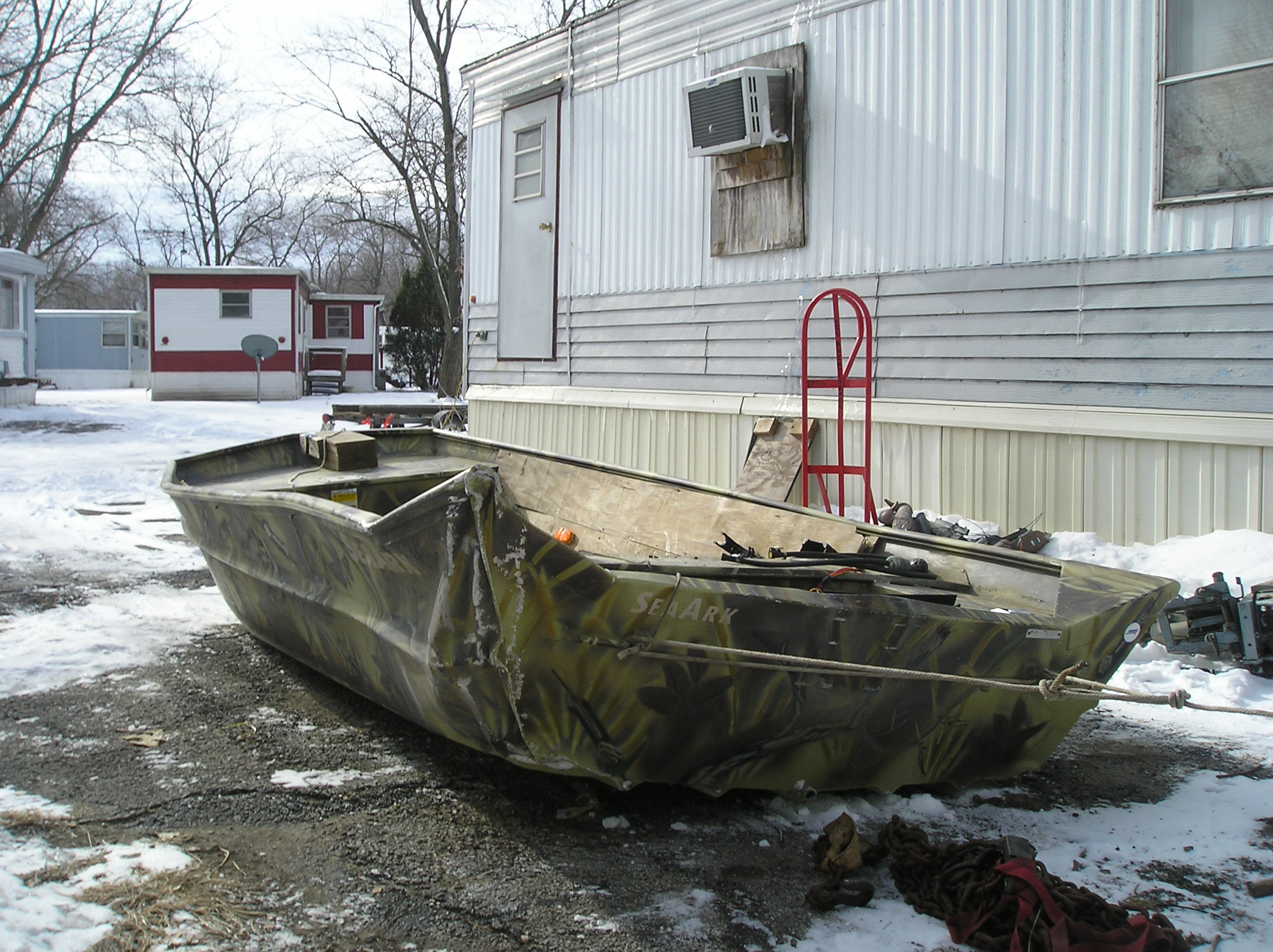 boat after accident on I-72 005.jpg