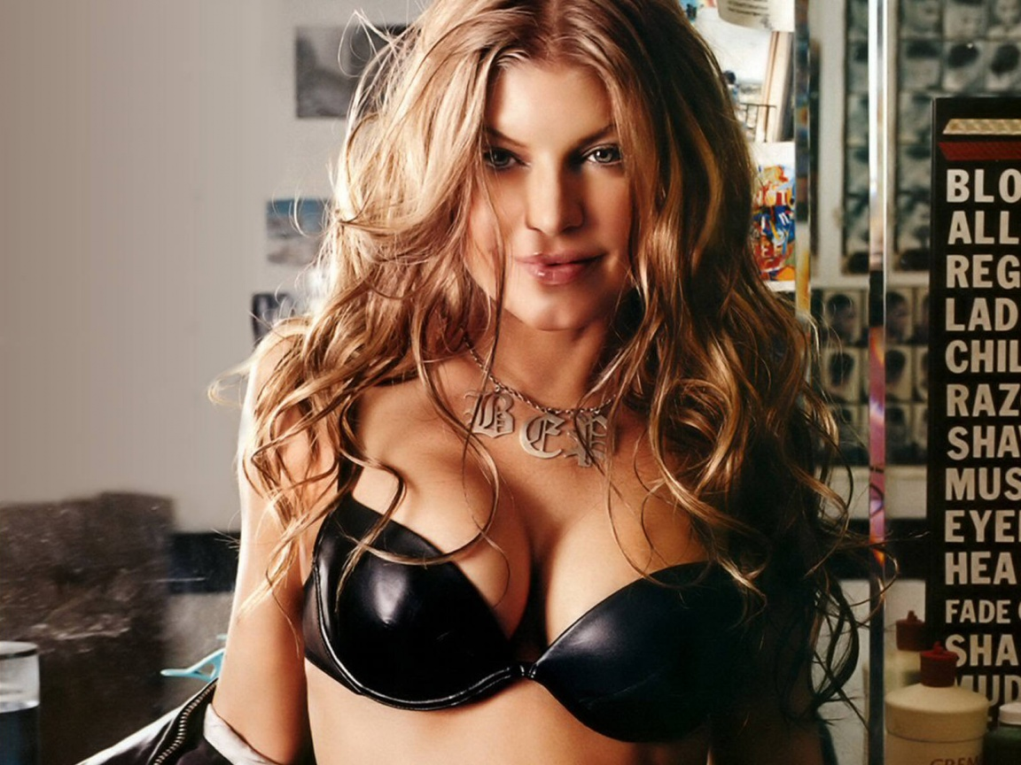 fergie_wallpaper_3-1152x864.jpg