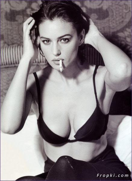 monica_bellucci_cigarette_1.jpg