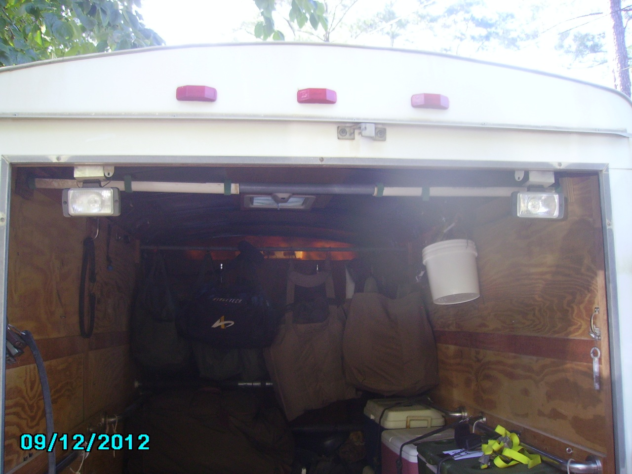 Trailer flood lights 0016.jpg
